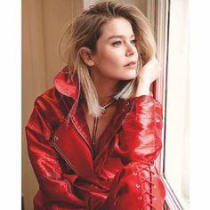 "The photo ""Burcu Biricik - Hello! Magazine Pictorial [Turkey] February has been viewed 121 times. Turkish Women Beautiful, Turkish Men, Turkish Beauty, Turkish Actors, Hello Magazine, Best Actress Award, Becoming An Actress, Celebs, Celebrities"