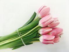 Tulips and bracelet at www.portal13.org/izdelki/
