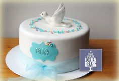 Tauftorte Taube Cake First Holly Communion Cakes, Girl Cakes, Baby Shower Cakes, Themed Cakes, Butter Dish, Landstuhl, Kaiserslautern, Party, Desserts