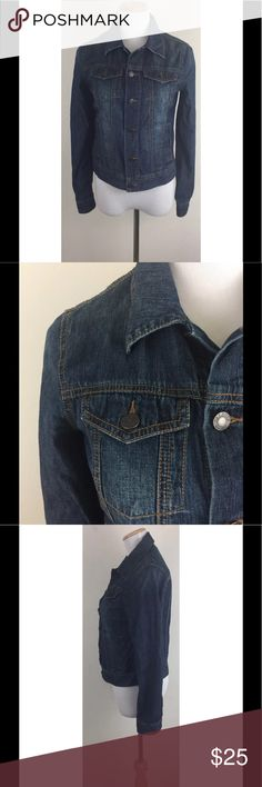 """Talbots Lightweight Denim Jean Jacket Size XS Talbots Womens Denim Jean Jacket Dark Blue Soft Lightweight 100% Cotton Size XS  Super nice soft & lightweight denim jacket with pockets Has two buttons at back waist so can be adjusted (see photos) Excellent, gently used condition - no flaws noted Fabric Content: 100% Cotton Approximate measurements: Laid Flat, measured across Chest 17"""" (underarm to underarm) Length 21"""" (shoulder to bottom of jacket) Arm Length 24"""" (shoulder seam to cuff)…"""
