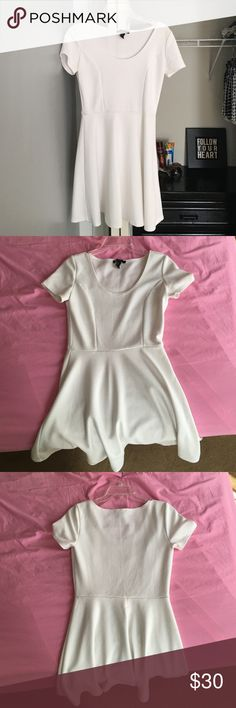 Dress very flattering ribbed A-line dress with sleeves by Forever 21 in white; size M Forever 21 Dresses Midi