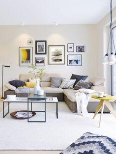 Große Fenster, Ein Offener Grundriss Und Moderne Möbel Zaubern Im Wohnzimmer
