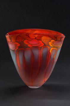 Fire series fan vase by Main Glass Studio Glass Vessel, Glass Ceramic, Cristal Art, Glas Art, Art Of Glass, Art Decor, Decoration, Glass Design, Hand Blown Glass