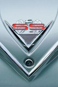 1961 Chevrolet SS Impala Emblem
