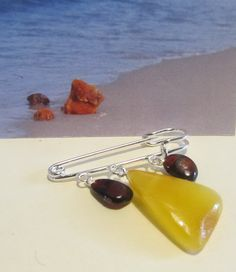 100% Natural Baltic amber Vintage brooch three suspenders 5.7 gr, steel clasp raw stonespolished beads opaque cognac yellow egg yolk adult