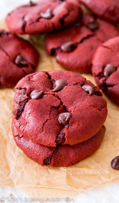 Ingredients:  1 and 1/2 cups + 1 Tablespoon (198g) all-purpose flour 1/4 cup (21g) unsweetened cocoa powder 1 teaspoon baking soda 1/4 teaspoon salt 1/2 cup (115g) unsalted butter, softened to room temperature. 3/4 cup (150g) light brown sugar (or dark brown) 1/4 cup (50g) granulated sugar 1 egg, at room temperature* 1 Tablespoon (15ml) milk 2 teaspoons vanilla extract 1.5 Tablespoons red food coloring (liquid, gel, or 2 tsp beet powder alternative)* 1 cup (180g) semi-sweet chocolate chips  D...