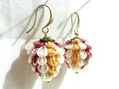 Lollipop dangling hook earrings. Kanzashi Flower por LittleTsumami