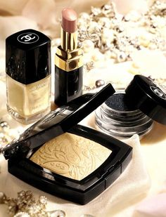 Summer Gold Fever: Chanel Bombay Express Summer 2012 Makeup.