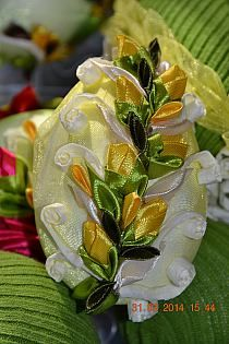 Ribbon Crafts, Pine Cones, Decoupage, Lily, Table Decorations, Ornaments, Handmade, Eggs, Holidays