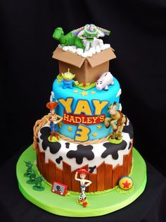 69 Lemon And Strawberry Cake - Toys for years old happy toys Toy Story Birthday Cake, 4th Birthday Cakes, 6th Birthday Parties, Birthday Party Decorations, Craft Party, Party Party, Birthday Ideas, Party Ideas, Bolo Toy Story