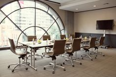 Froines Boardroom, Thompson Chicago