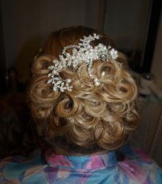 soft pin curl updo for the gel Bridal Academy