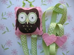 Hey, I found this really awesome Etsy listing at https://www.etsy.com/listing/85876949/felt-owl-hair-bow-holder
