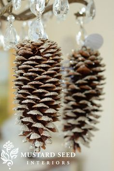25 DIY Christmas Ornament Ideas | DeMilked Gorgeous glittering pinecone decorations. Shabby chic.