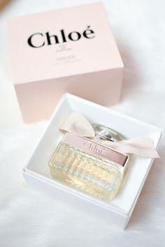 Chloé Chloé eau de parfum #perfume #eaudeparfum #chloe Perfume Bottles, Fragrance, Delicate, Place Card Holders, Rose, Lady, Chloe, Beauty, Garden