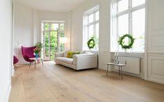 Decoración de interiores con madera tono claro