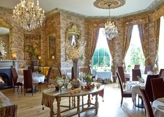 One of the dining rooms at castle Durrow. Imaginative Irish country house cooking , with kitchen garden vegetables and local artisan producers as main suppliers Conservatory Dining Room, Lakeside Restaurant, Hotel Breaks, Ice Houses, Castles In Ireland, Country House Hotels, Luxurious Bedrooms, Bed And Breakfast, Dining Rooms