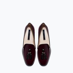 Glossy flat shoes- so chic, and the color is perfect. make these the center of your outfit, keeping it cool and simple.