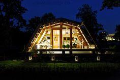 Casa din lemn inovativa si extrem de ecologica. Si noi construim case din lemn www.mobina.ro