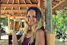 Say YES to new adventures . #mytravelgram #backpacking #beer #cheers #island #islandlife #ilovetravel #gilimeno #giliislands @best_of_bali @thebalibible  #thebalibible #bestofbali @wonderfulbaligili @indonesiafoodtraveller #bali #lombok #indonesia #travelblogger