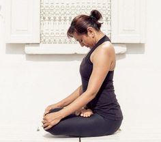 Jalandhara Bandha -Best yoga exercises for weight loss