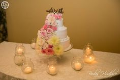 El pastel de bodas, Bodas Huatulco Cake, Sparklers, First Dance, Husband Wife, Grooms Table, Beach Weddings, Pastel, Kuchen, Cakes