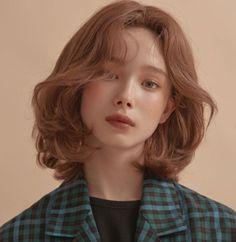 Light Hair, Dark Hair, Shot Hair Styles, Curly Hair Styles, Brown Hair Colors, Korean Hair Color Brown, Short Hair Korean Style, Red Hair Korean, Korea Hair Color