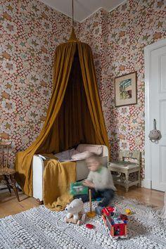 Fresh, cute, vintage yet modern! Architectural Digest, Creative Kids Rooms, Nordic Home, Bedroom Windows, Blog Deco, Fashion Room, Kidsroom, Kid Spaces, Boy Room