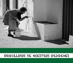 💚🤍💚 Andalucía es nuestra tierra y estamos orgullosos de formar parte de ella. COLORES, OLORES Y SABORES DE ANDALUCÍA Los ríos de color dorado de Jaén recorren el queso gaditano sobre nuestro desayuno sevillano; los tonos de las fresas de Huelva, el aguacate malagueño y el tomate de Almería, embellecen las tapas propias de nuestra gastronomía, como el maravilloso salmorejo cordobés; y qué es un dulce andaluz sin miel, higos secos, almendras e intenso aroma al azahar de la Alhambra de… Color Dorado, Queso, Tapas, Orange Blossom, Figs, Avocado, Almonds, Strawberry Fruit