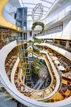 EM Quartier Interior at EM District / Phrom Phong / Bangkok   by I Prahin   www.southeastasia-images.com