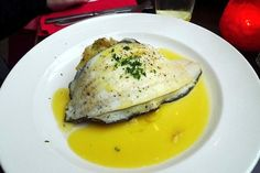 Dover sole with caper butter sauce Warming winter fish dishes Fish Dishes, Seafood Dishes, Fish And Seafood, Winter Treats, Lemon Sauce, How To Cook Fish, Yummy Food, Tasty, Butter Sauce