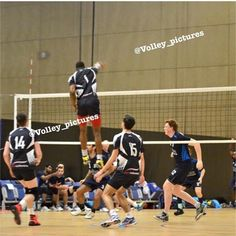 Reposted from @volley_pictures  Like  Tag a friend  Follow my personal : @mb7__ #volleyjump