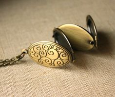 Antiqued brass photo locket four photo locket folding locket Long Vintage Chain Necklace family pendant keepsake locket bronze N158