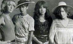 Susanna Hoffs, The Bangles Band, Nostalgia, Chloe Grace Moretz, Rock Legends, Sooyoung, Bangs, Couple Photos, Tape