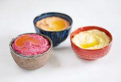 Hummus mit roter Bete, gerösteter Paprika & klassisch
