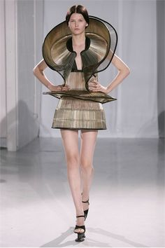 Iris Van Herpen Spring 2013  | Iris van Herpen - Haute Couture Fall Winter 2011/2012 - Shows - Vogue ...