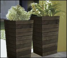 Coral Coast Dark Brown Stained Slatted Base Outdoor Planter - 16 x 16 x in. - Tall and beautiful, the gorgeous Coral Coast Dark Brown Stained Slatted Base Outdoor Planter - 16 x 16 x in. is crafted form strong and durab. Wood Pallet Planters, Tall Planters, Wood Planter Box, Patio Planters, Wood Patio, Flower Planters, Wood Pallets, Pallet Wood, Pallett Planter