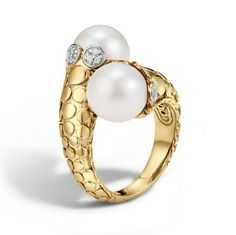 John Hardy Dot Toi Moi Ring made of 18k gold with a freshwater pearls and diamond.