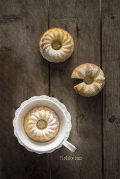 schnell, einfach und lecker - easy peasy Mini-Milchkuchen, hol Dir jetzt das Rezept und verwöhne Dich und Deine Lieben mit einem saftigen Stück Kuchen...
