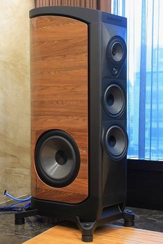 High End audio Audiophile Speakers, Speaker Amplifier, Hifi Audio, Stereo Speakers, Audio Box, High End Speakers, Built In Speakers, Wooden Speakers, Speaker Box Design