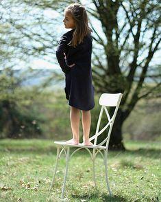 bySASH / TEPLÁKOVÉ ŠATY s dlhým rukávom, čierne. Outdoor Chairs, Outdoor Furniture, Outdoor Decor, Garden Chairs, Backyard Furniture, Lawn Furniture, Outdoor Furniture Sets