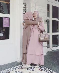 Hijab Style Dress, Casual Hijab Outfit, Hijab Chic, Street Hijab Fashion, Abaya Fashion, Fashion Outfits, Moslem Fashion, Hijab Fashion Inspiration, Muslim Dress