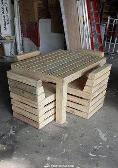 Unique-Pallets-Table-and-Chairs.jpg 700×1.000 pixels