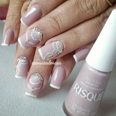 False nails have the advantage of offering a manicure worthy of the most advanced backstage and to hold longer than a simple nail polish. The problem is how to remove them without damaging your nails. Wedding Manicure, Wedding Nails Design, Manicure And Pedicure, French Manicure Designs, New Nail Designs, Cool Nail Art, French Nails, Nail Arts, Toe Nails