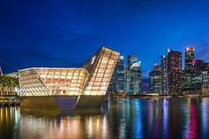 Luis Vuitton store in marina bay this is just one of the thousand modern design of this futuristic city: #Singapore . . . . . . . . . . . . . . . . . . . #VisitSingapore #yoursingapore #loves_singapore #thisissingapore #travelSG #travelphotography #instatravel #traveltheworld #thebest_capture #ig_worldclub #fantastic_shotz #special_shots #master_shots #splendid_urban #sharing_greatpics #great_captures_city #citybestpics #worldbestshot #thebestdestinations #splendid_shotz #ig_shotz_cities…