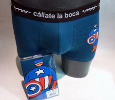 Boxer Américo Cállate la Boca - ENVÍO 24/48h - 46811 BLUE - Boxer azul marino con estampación del Capitán América en el muslo izquierdo. Precio 13,50€. #calzoncillos #hombre #modahombre #ropainterior http://www.varelaintimo.com/marca/5/callate-la-boca