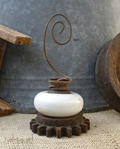 Featured item for sale is for one White ceramic Vintage Door Knob Photo Holder. Very unique, funky, junky, shabby, eclectic and perfect for holding Diy Door Knobs, Vintage Door Knobs, Vintage Doors, Antique Doors, Picture Holders, Photo Holders, Card Holders, Chandeliers, Junk Art