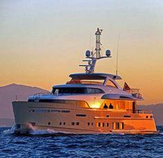Solis || #solis #motoryat #motoryacht #tekne #deniz #sea #yacht #yat #boat #yachting #boating #mulder #alüminyum #gibraltar #çelik #seyir #gezi #luxury #yachting #boating #yachtworld #yatvitrini .. http://www.yatvitrini.com/34-metrelik-solis-ilk-seyrini-gerceklestirdi?pageID=128
