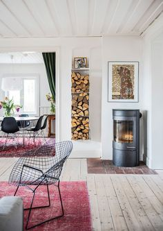 Bemz founder Lesley Pennington invites us insider her dreamy Swedish home to reveal the ways she makes IKEA look luxe Interior Design Living Room, Living Room Decor, Living Spaces, Swedish Interior Design, Living Rooms, Swedish Decor, Swedish House, Swedish Style, Scandinavian Home