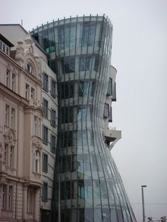 Old and new in Praha - the dancing house Prague Travel Guide, Visit Prague, Somewhere Over, Architecture Old, Central Europe, My Happy Place, Czech Republic, Poland, Travel Inspiration